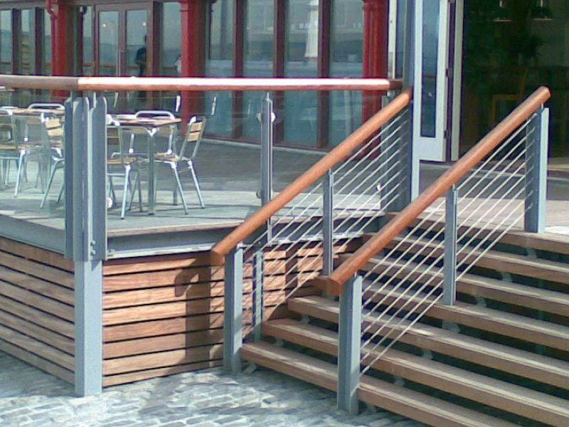 Horizontal stainless steel balustrade on outdoor stairs